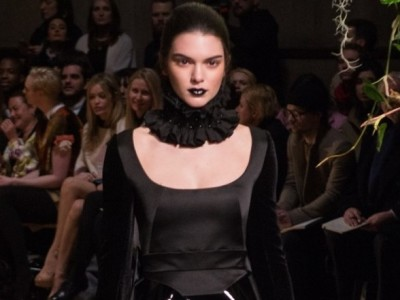 Black lipstick – beauty's gothic new trend