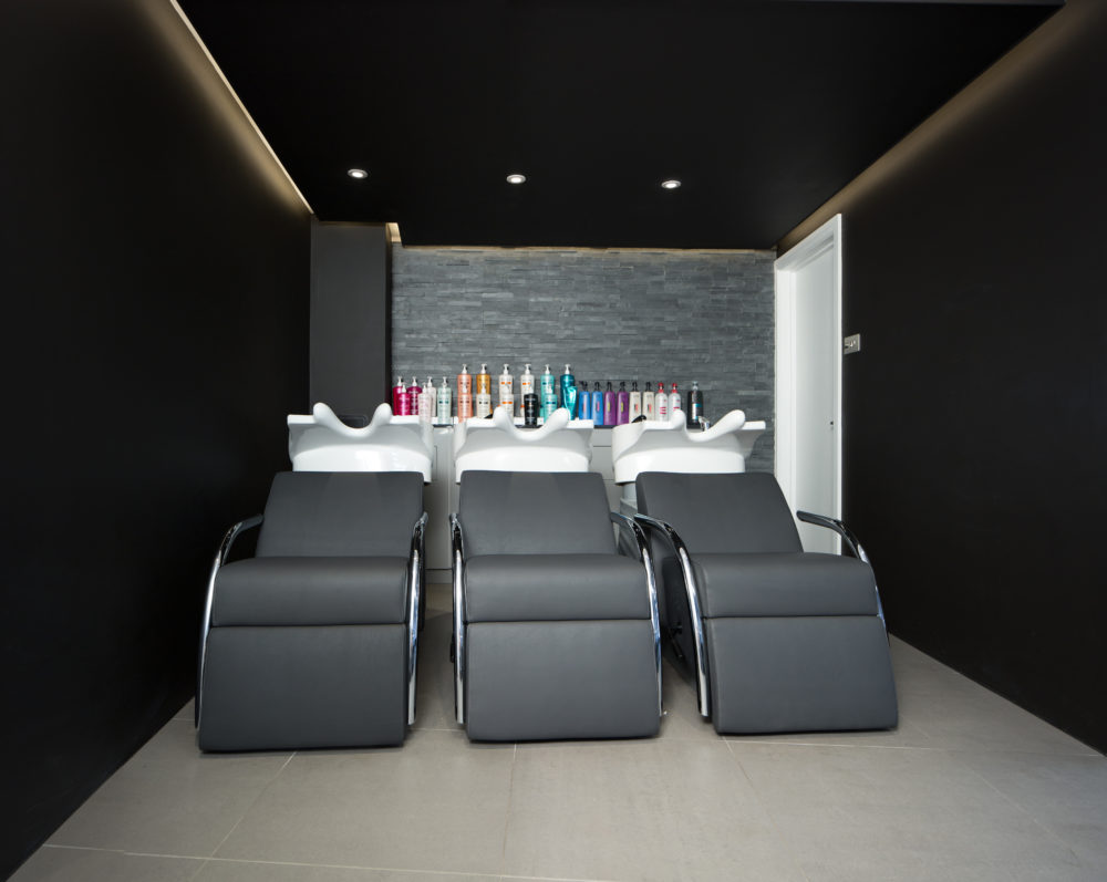Hair by s j forbes unveils its stunning salon interior in for Salon fitness